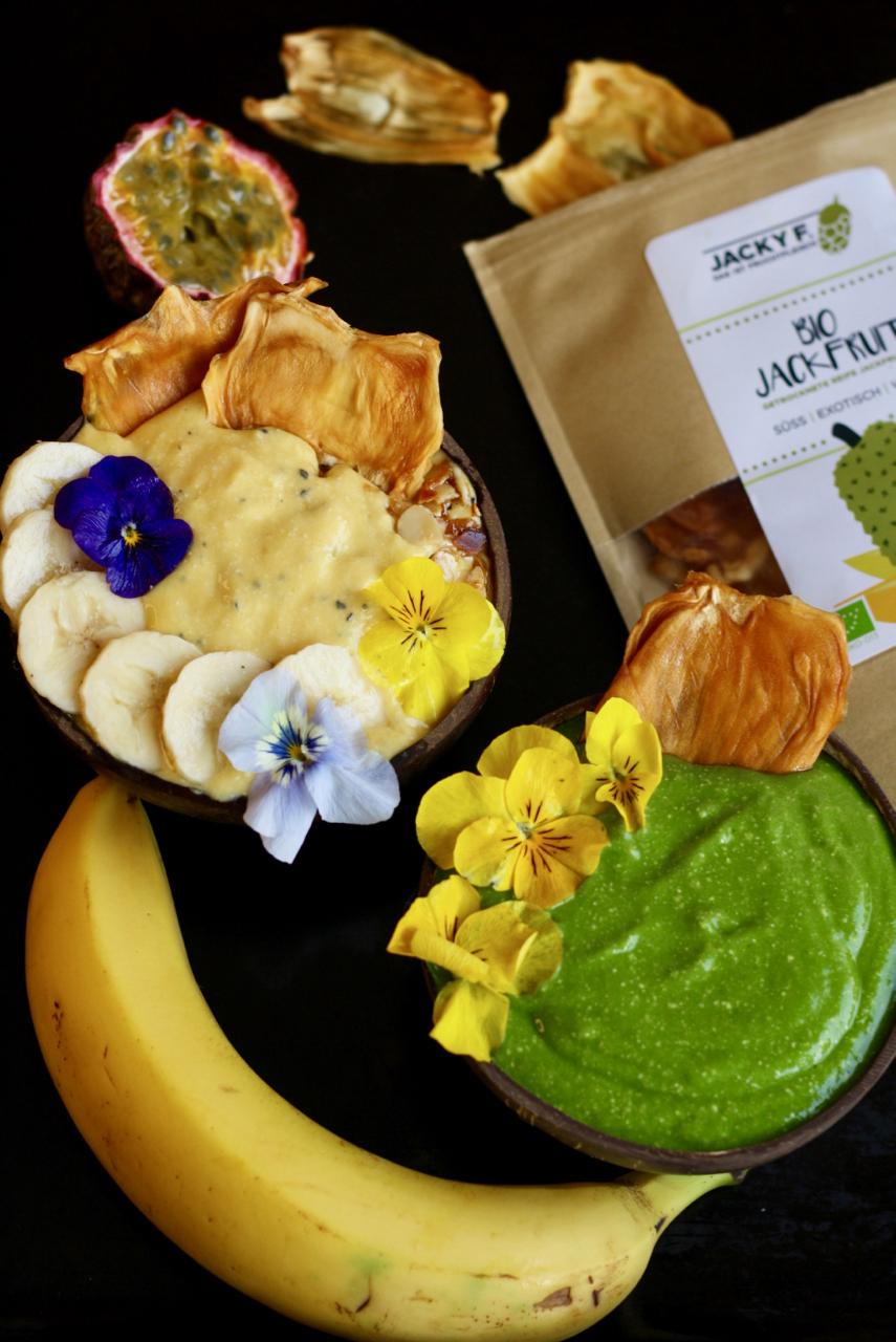 Smoothie Bowls mit getrockneter Jackfruit